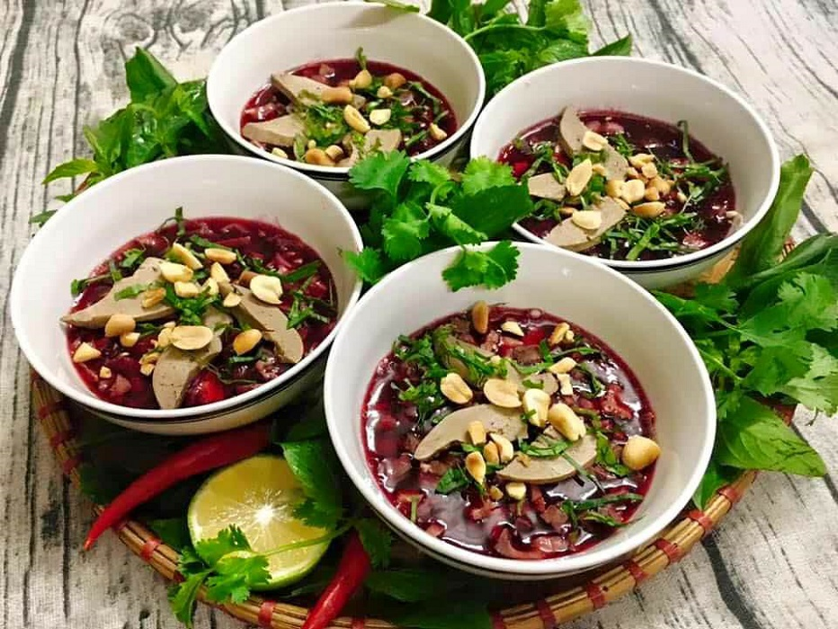 Tiết canh: Blood pudding