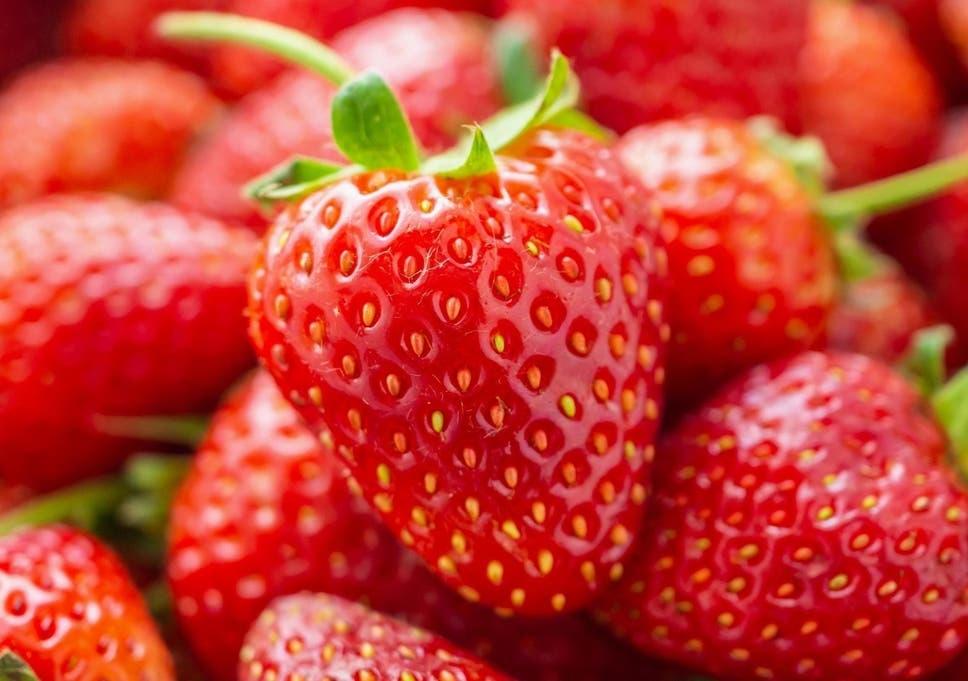 Strawberry /strɔ:bəri/: dâu tây