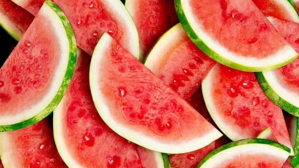 Watermelon /'wɔ:tə´melən/: dưa hấu
