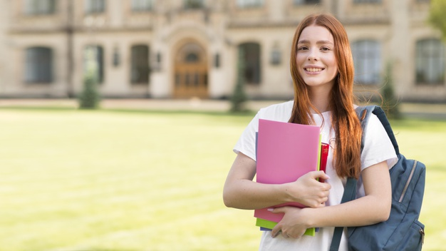 Chứng chỉ IELTS giúp bạn săn học bổng và du học nước ngoài dễ dàng hơn