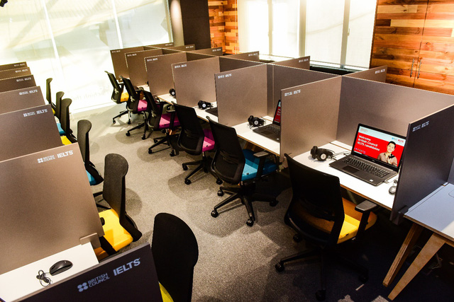 8 lý do bạn nên lựa chọn hình thức thi IELTS trên máy tính